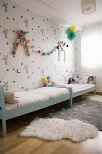 Enfant Lit Fille : 80 astuces pour bien marier les couleurs dans une chambre d enfant ~ Teatrodelosmanantiales.com Idées de Décoration