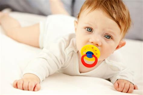 when can babies see color how late can my baby s change color