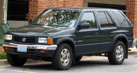 See body style, engine info and more specs. 1999 Honda Passport LX - 4dr SUV 3.2L V6 4x4 Manual