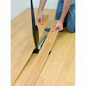 Řezačka na laminátové podlahy