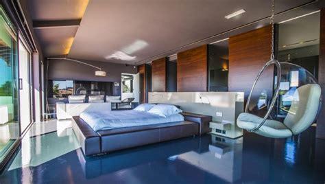 italienne dans chambre location villa contemporaine avec piscine au pays basque