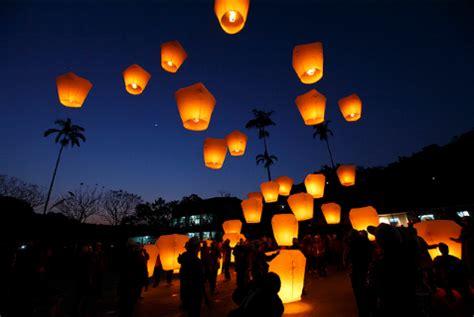 lanterne cinesi volanti lanterne cinesi www gonfiabili ch