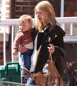 Claire Danes strolls through NYC with Hugh Dancy and Cyrus ...