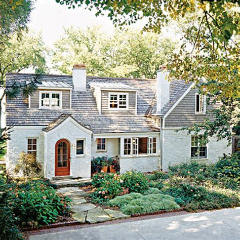 Curb Appeal  8 Stunning Before & After Home Updates
