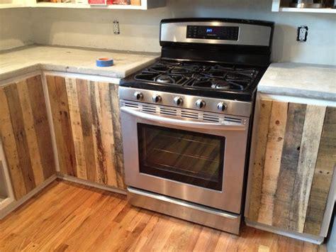kitchens for cottages 44 best pallet cabinet doors images on home 3561