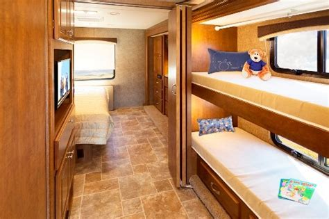 Class C Motorhome With Bunk Beds by 2015 Thor Miramar 34 3 Class A Motorhome Roaming Times