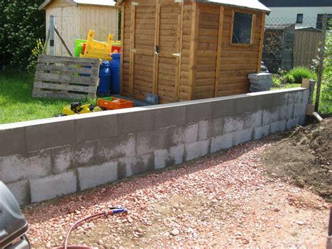 mauer gegen feuchtigkeit abdichten gartenmauer schalsteine mischungsverh 228 ltnis zement