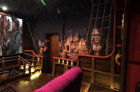 Barco Pirata Interior by 12 Cines En Casa Tem 225 Ticos Filmclub
