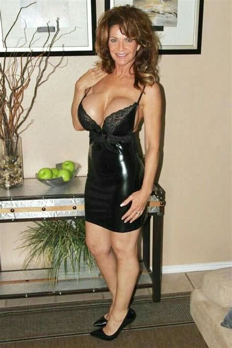 Pin By Angela Annabella On Milfs Matures And Gorgeous