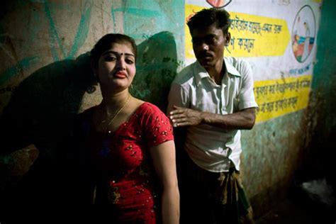 """O melhor acervo de vídeos online sobre entretenimento, esportes e jornalismo do brasil. I am """"Chowkri""""- Inside Bangladesh's Biggest Brothel - ABC News"""