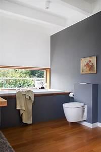 Badezimmer Fliesen Grau Weiß : 1 blick ins badezimmer wei grau eichenholz bad ~ Watch28wear.com Haus und Dekorationen