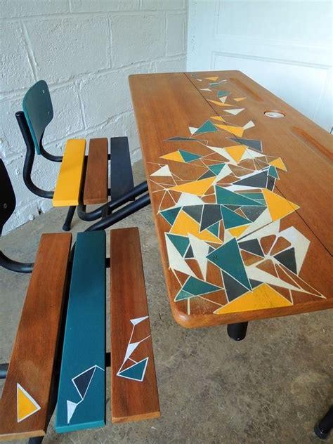 relooker bureau ecolier 17 meilleures idées à propos de meubles patinés sur