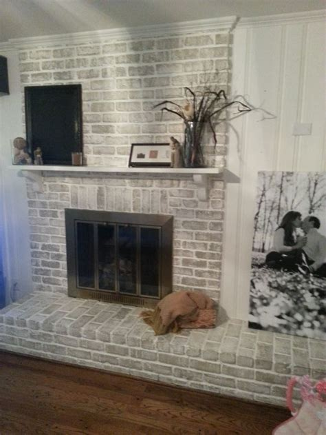 sponge painting brick fireplace 20 fireplace makeover how to get a whitewashed look on a