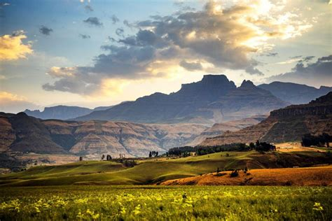 drakensberg house guesthouse   catering central