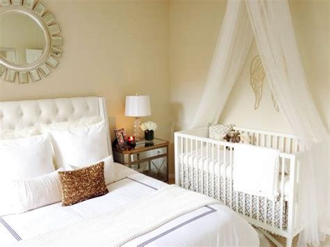 am nager chambre b b dans chambre parents 10 idées aménager un coin pour bébé dans une chambre