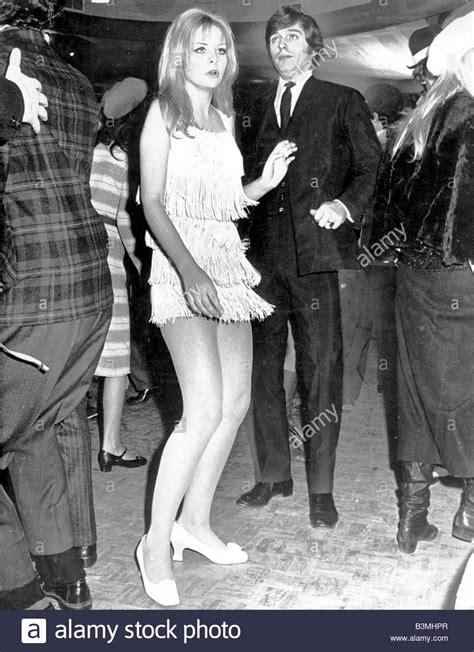 london club      mini skirt fashion