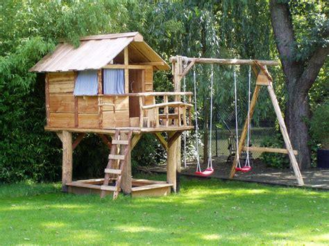 Naturholz Spielgeräte Für Den Garten