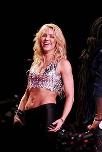 Pictures: Shakira Live in Concert at Madison Square Garden