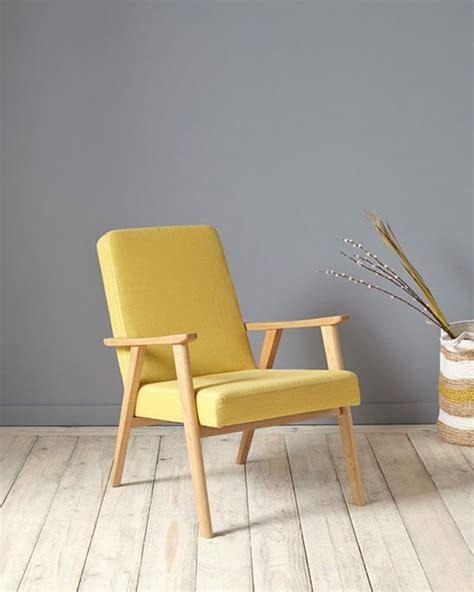 canapé velours design fauteuil jaune la couleur intemporelle et tendance