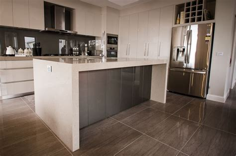 kitchen cabinets in gray 18 best images about kitchen on circles grey 6131