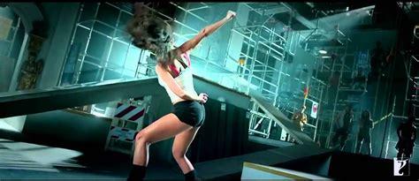 kamli full official video song dhoom   aamir khan