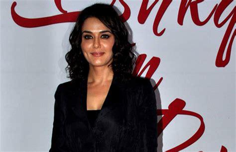 mona singh  mallika sherawat bollywoods mms scandals
