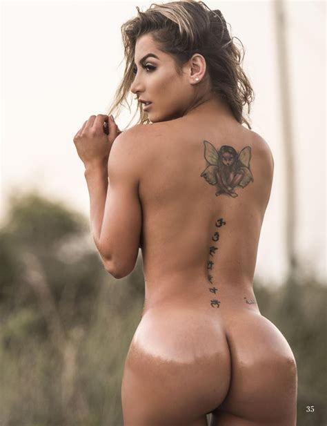 Vanessa nackt Moe Огромное количество