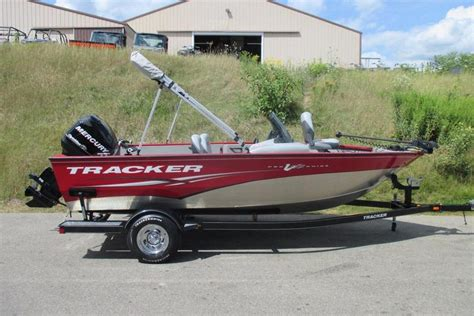 Used Tracker Fishing Boats by 2011 Used Tracker V175 Pro Guide Sc Aluminum Fishing Boat