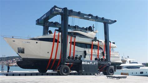 Marina Boat Lift by Boat Lift Sistemi Di Sollevamento E Sistemi Di