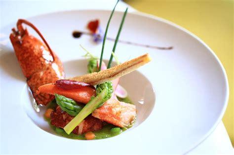 magazine de cuisine gastronomique lou marquès arles restaurant uit de michelin gids
