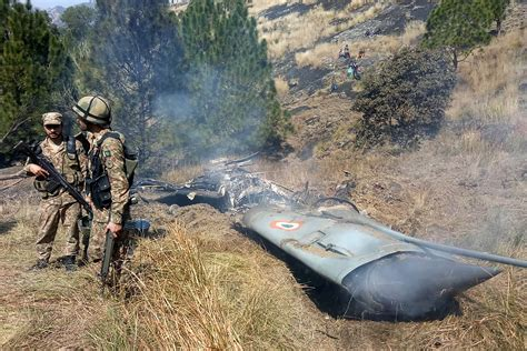 indias dogfight loss    win   weapons