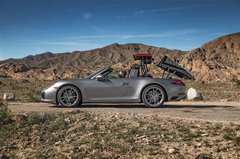 porsche targa 911 2017 porsche 911 targa 4s test review circle motor trend