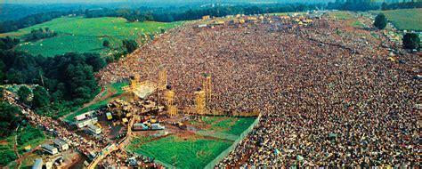 12 Crazy Woodstock Festival Photos