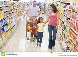 Family Grocery Shopping Royalty Free Stock Images - Image ...