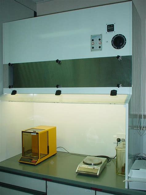 chambre à flux laminaire hottes a flux laminaire pour laboratoire tous les
