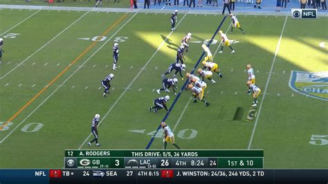 packers qb aaron rodgers throws  wr allen lazard