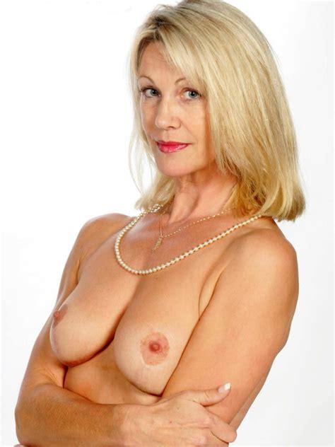 Elegant Mature Nude Women Xxgasm