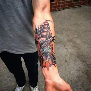 Tatouage Japonais Bras : tatouage homme bateau old school sur avant bras tatouage ~ Melissatoandfro.com Idées de Décoration