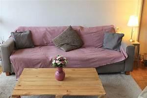 Recouvrir Un Canapé En Cuir : comment relooker son canap pour moins de 50 euros c ~ Premium-room.com Idées de Décoration