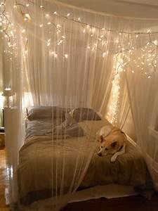20 DIY Dorm Canopy Beds Decorazilla Design Blog