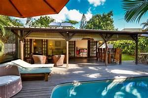 Bungalow Mit Pool : bungalow merville villa avec piscine dans un jardin tropical beachhouses mauritius ~ Frokenaadalensverden.com Haus und Dekorationen