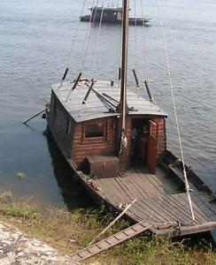 La Loire En Bateau : a toue loire balade en bateau sur la loire angers loire valley boat 3 balade en bateau ~ Medecine-chirurgie-esthetiques.com Avis de Voitures
