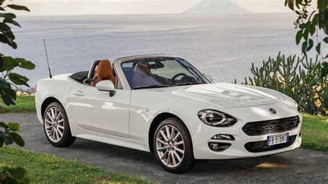 fiat spider 124 2017 fiat 124 spider wallpapers hd images wsupercars