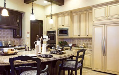 Luxe   USA   Kitchens and Baths manufacturer