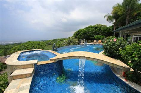 Top Ten List Of Epic Backyard Swimming Pools