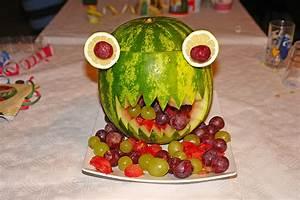 Deko Für Kindergeburtstag : melonen monster rezept mit bild von moosmutzel311 ~ Frokenaadalensverden.com Haus und Dekorationen