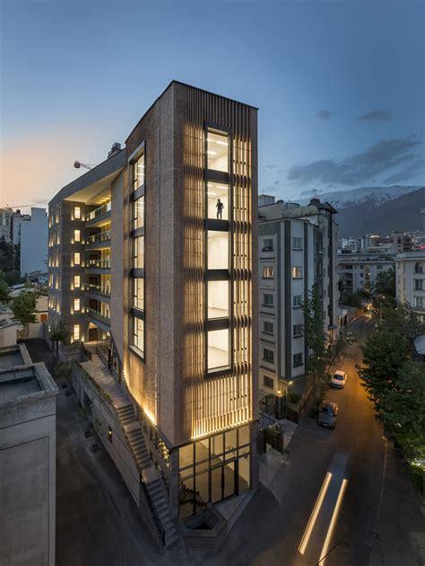 Saba Office Building / 7Hoor Architecture Studio + SBAD