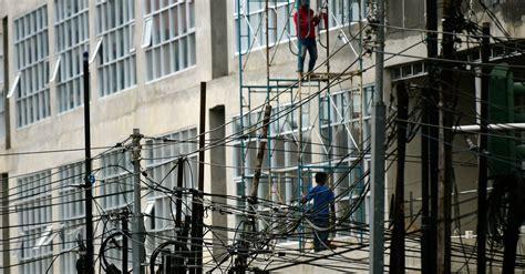 July 10, 2021 crafted with by templatesyard | distributed by gooyaabi templates pt manunggal kabel indonesia produksi apa. Kesemrawutan Kabel Listrik di Jakarta Membahayakan Warga ...