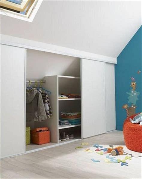 amenagement placard chambre aménagement combles 8 idées déco pour la chambre loft