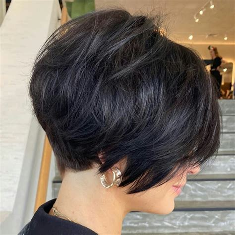Simple Short Hair Cut for Ladies - Classy Short Hair Style ...